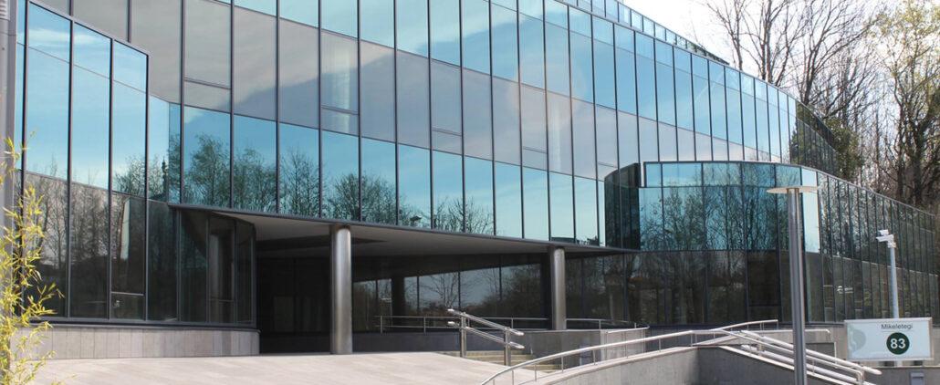 Auditoría-y-Certificación-Energética-de-Edificios-del-Departamento-de-Desarrollo-Económico-e-Infraestructuras-del-Gobierno-Vasco-1030x422